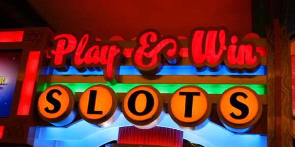 Play win slots